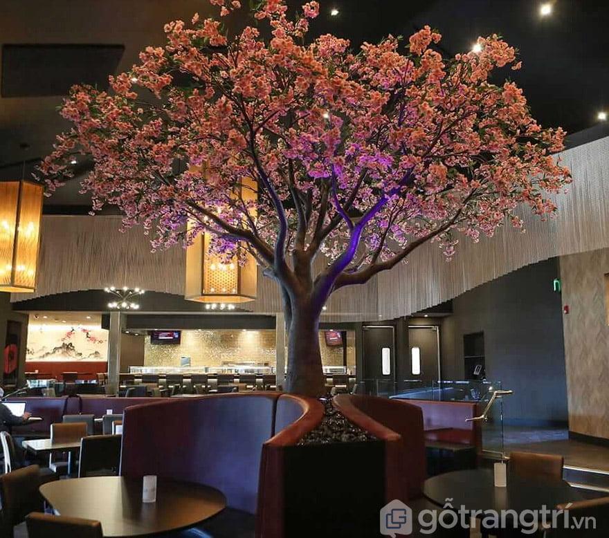 hoa giả trang trí quán cafe
