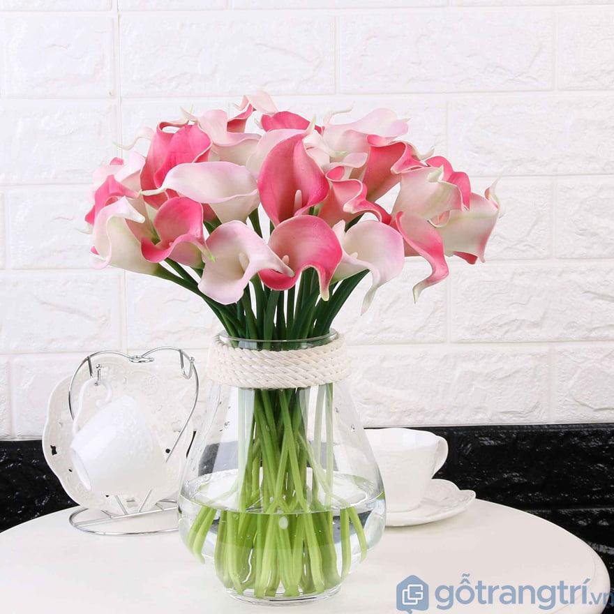 Mua hoa giả trang trí