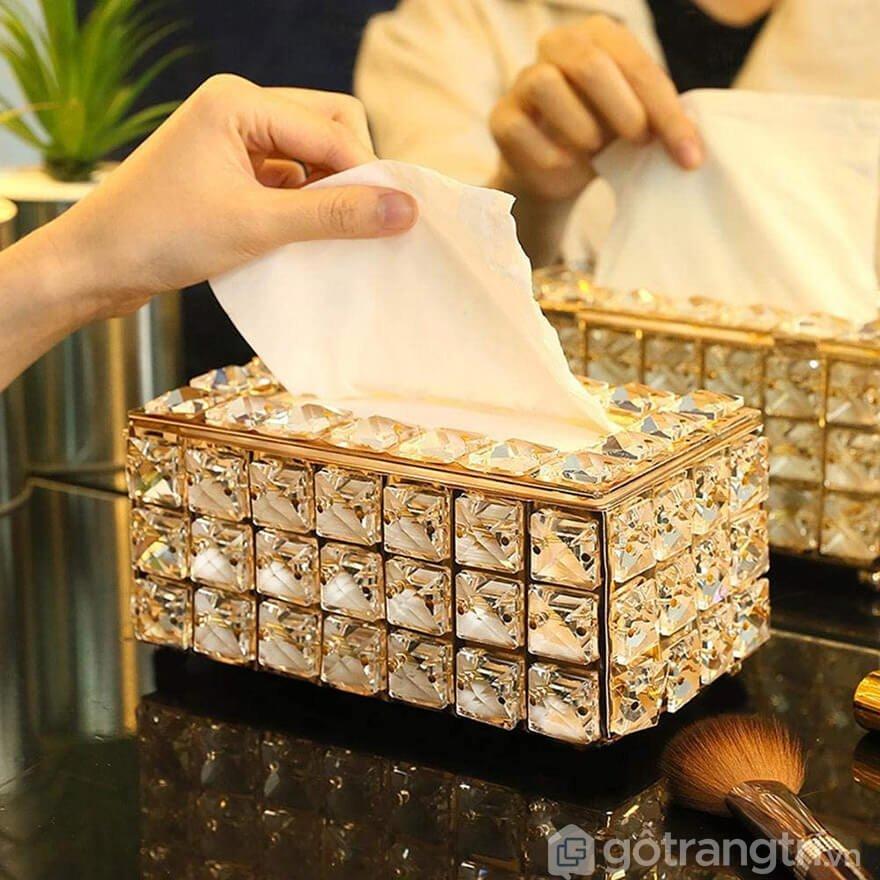 hộp đựng giấy ăn sang trọng