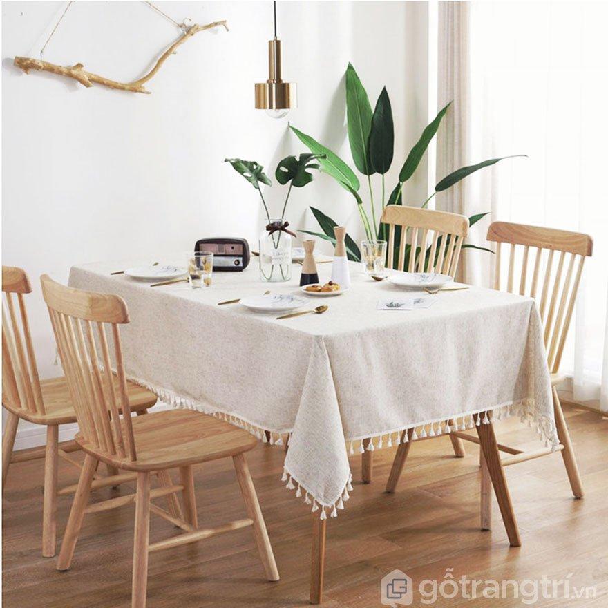 Khăn trải bàn trắng