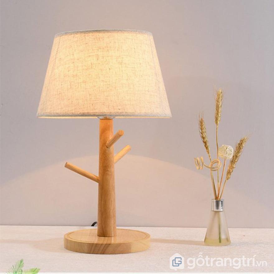 Màu đèn ngủ để bàn cũng là yếu tố quan trọng không thể bỏ qua