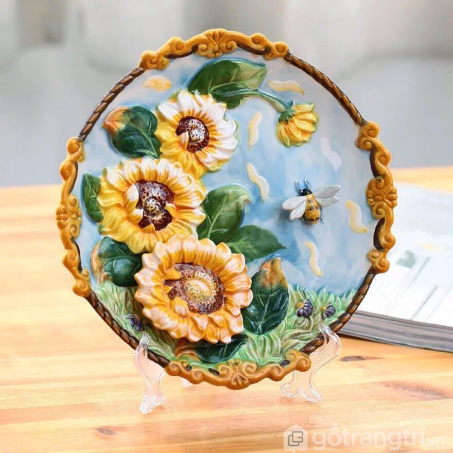 đĩa sứ trang trí