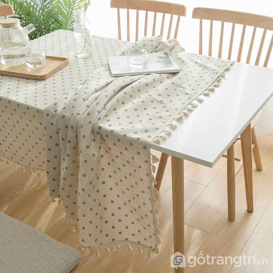 khăn trải bàn 1m8